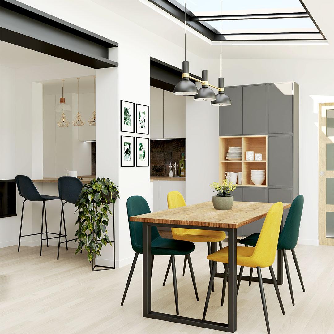 salle-a-manger-table-bois-chaises-vert-jaune-verrier-toit-cuisine-ouvete-maisonetvous